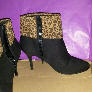 Shoes - Leopard print ankle boot